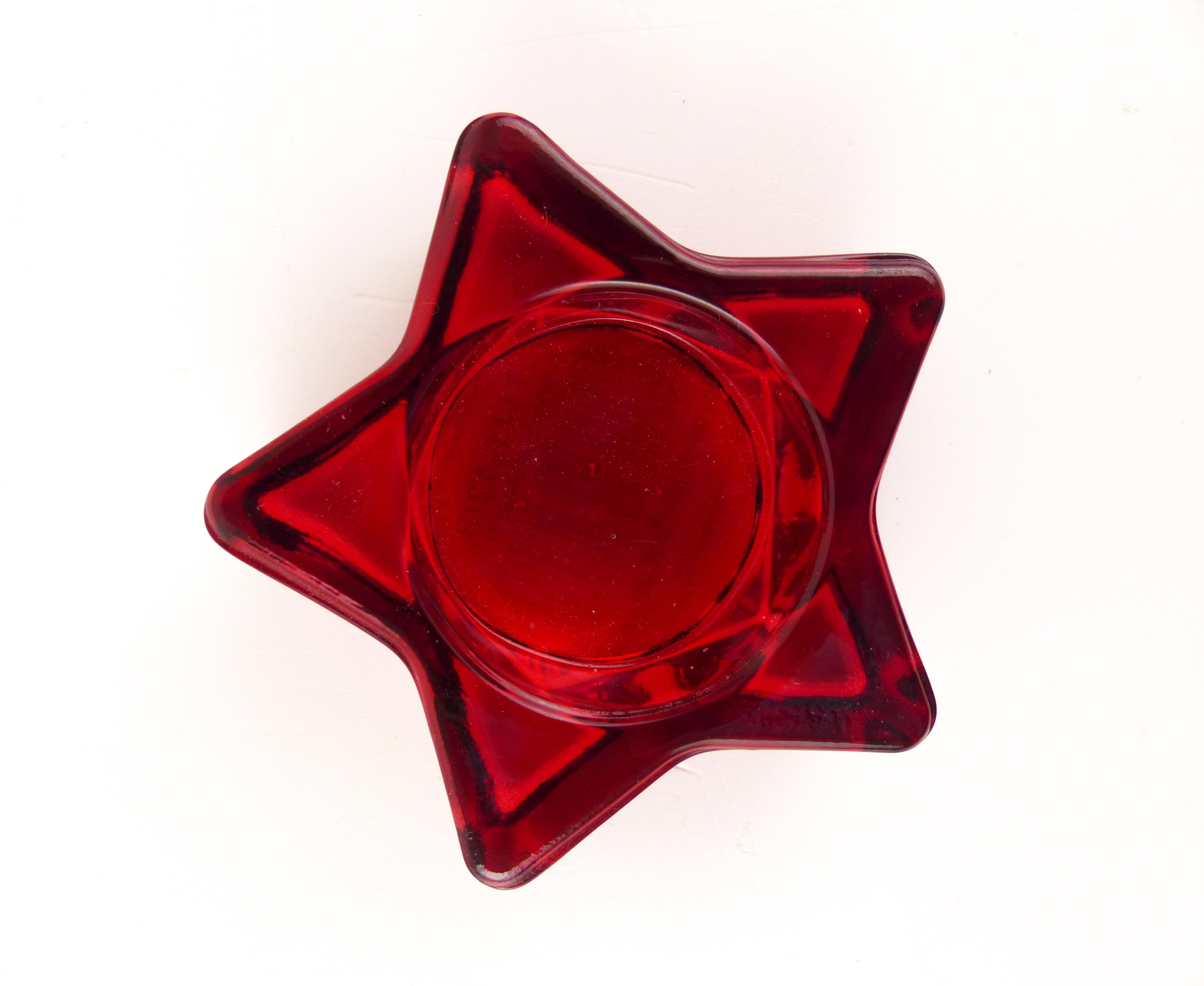 Svícen na čajovou svíčku hvězda - červený