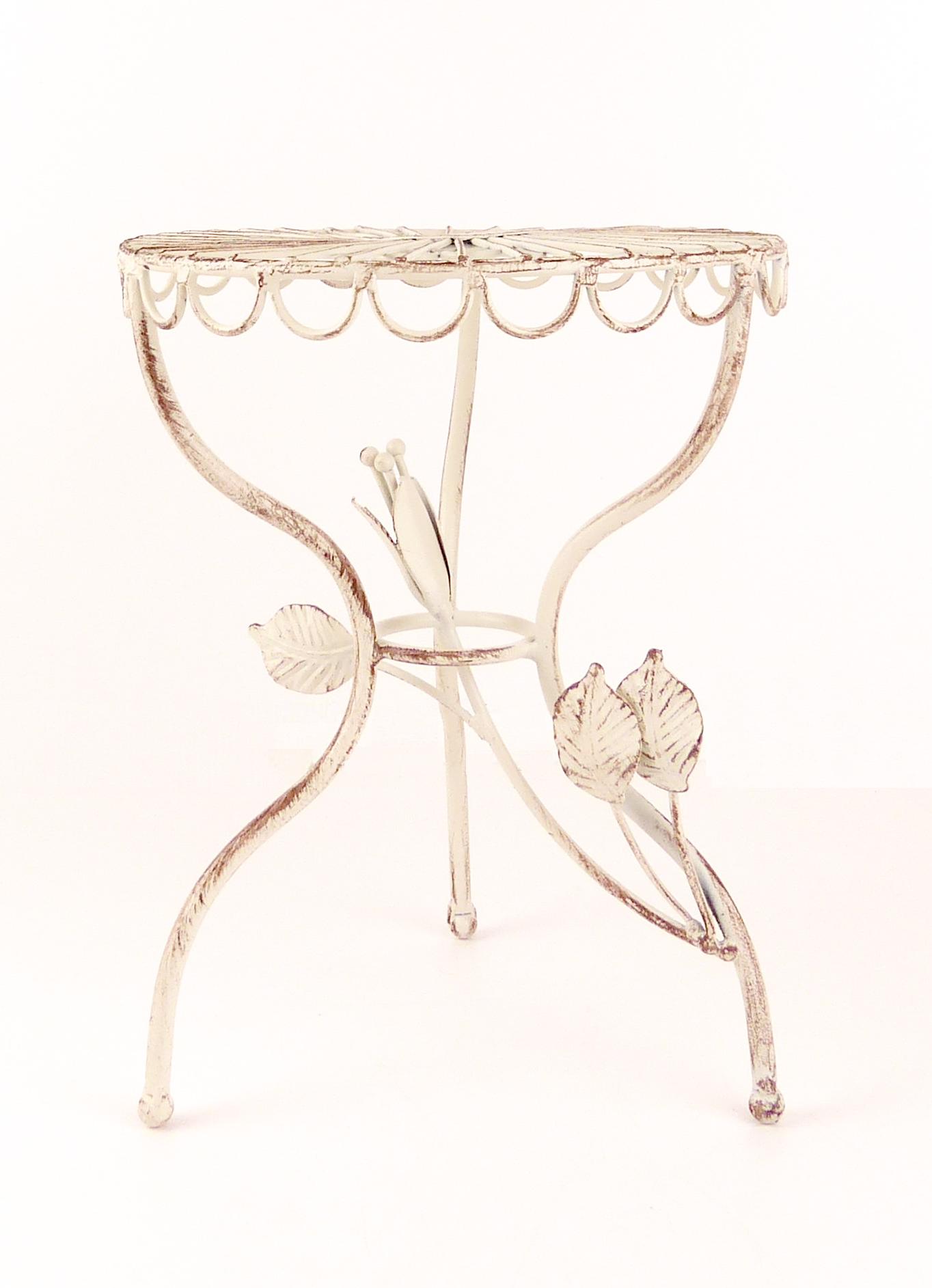 Stojan ve tvaru stolku pod květiny