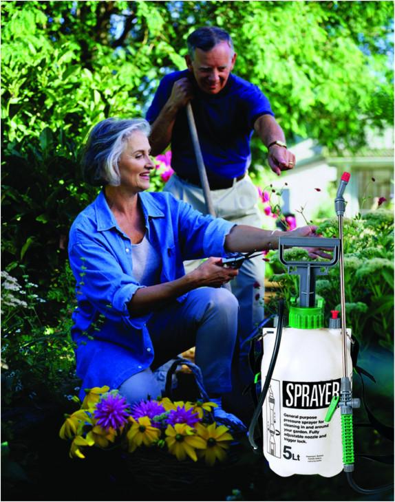 Zahradní postřikovač 5 litrů