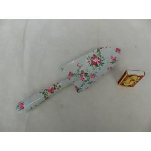Lopatka s květinovým vzorem